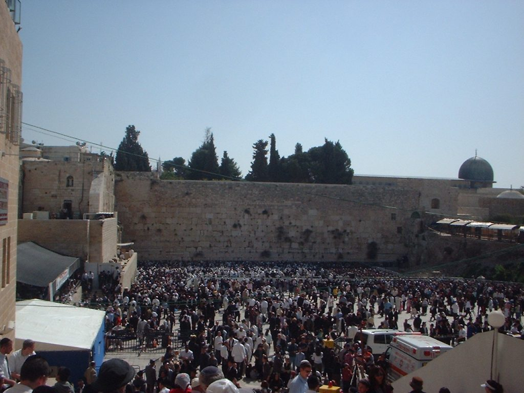 Western wall, Passover